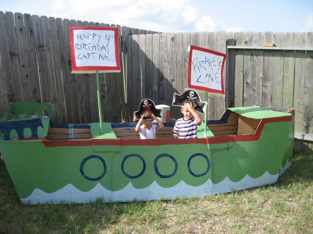 Greene acres hobby farm 26 fun cardboard box ideas for Boat mailbox